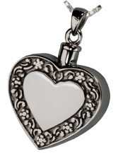 rimmed_heart_necklace